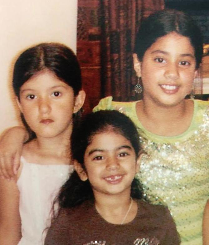 janhvi kapoor and sister in her childhood