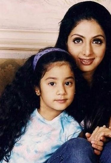 Janhvi kapoor with her mother sri devi