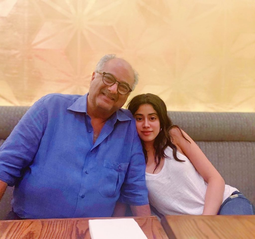 janhvi kapoor with his father boney kapoor