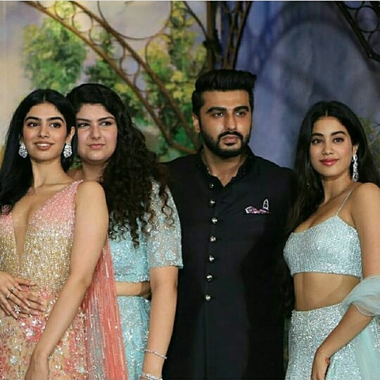 janhvi kapoor with his sister and half-siblings