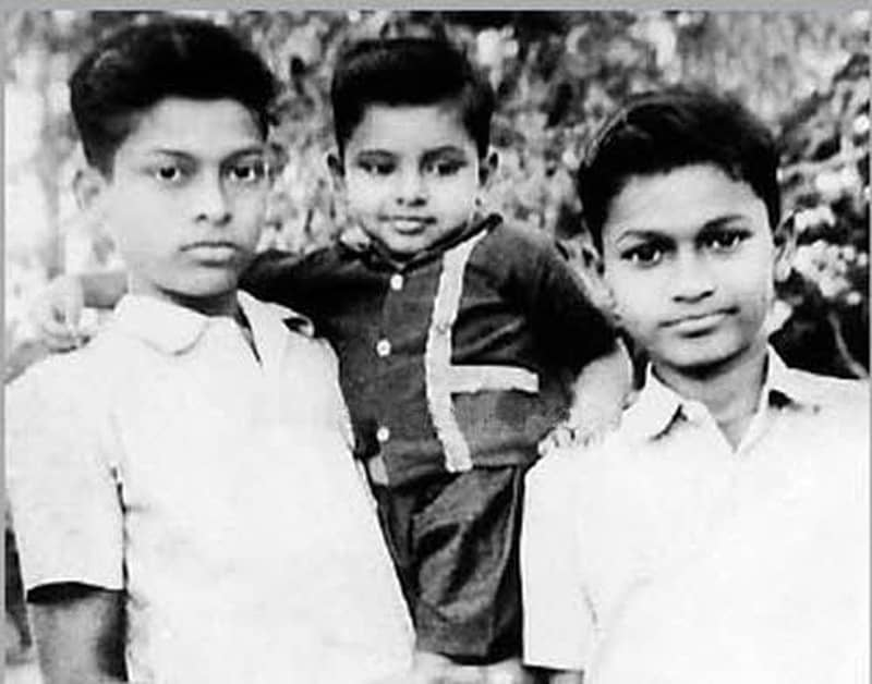 Chiranjeevi childhood picture with his brother