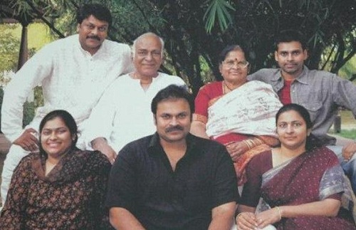 Nagababu with parents family