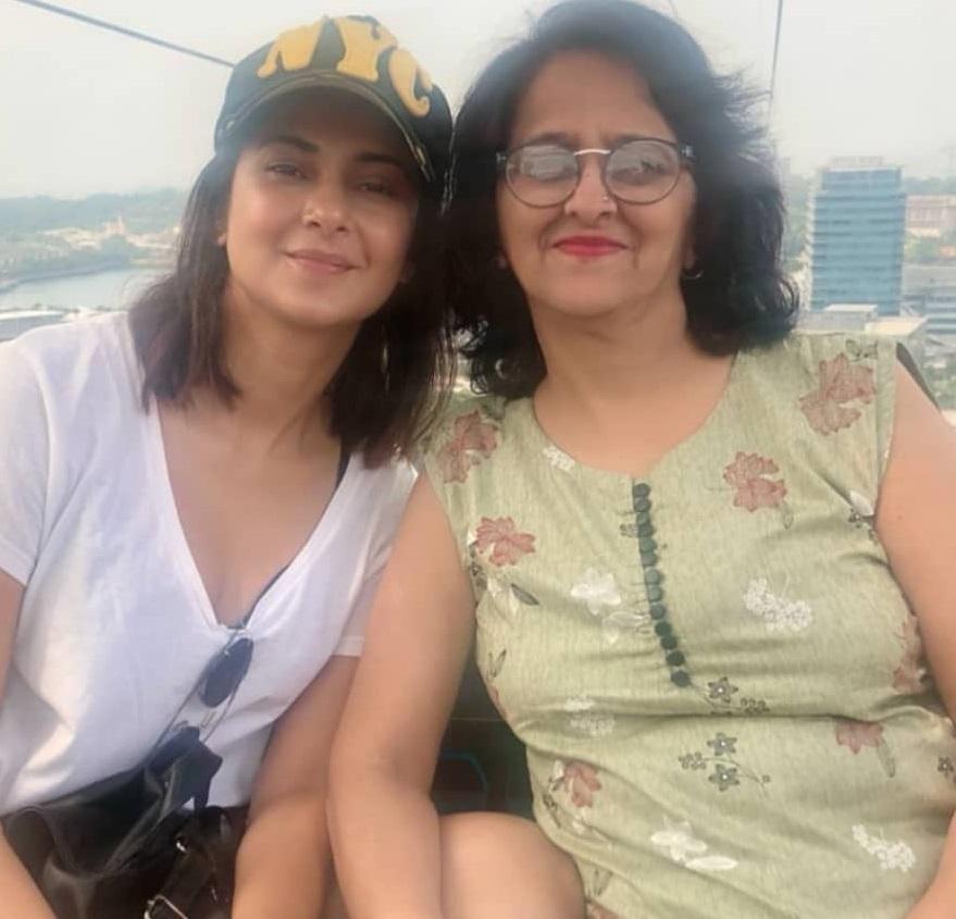 Jennifer Winget With Her Mother, Prabha Winget