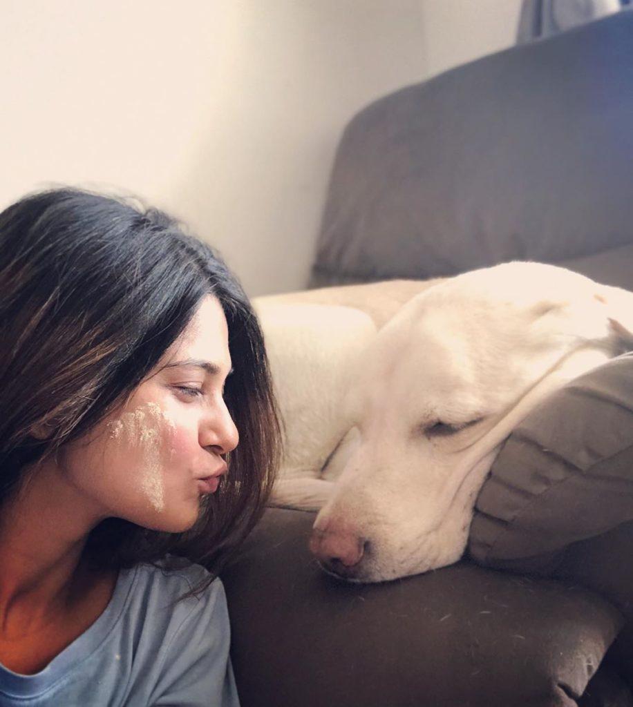 Jennifer Winget with her pet dog