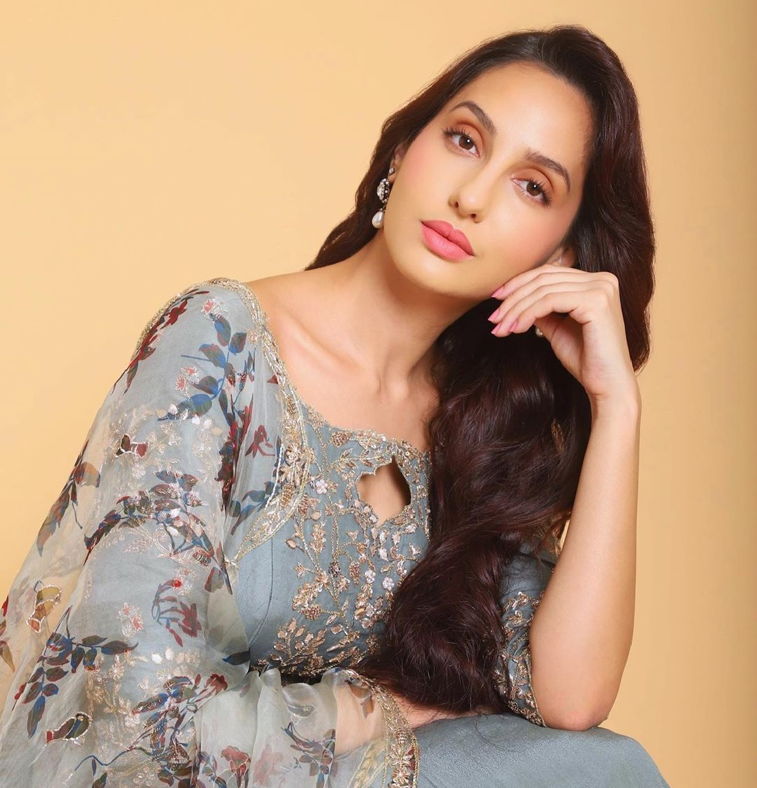 nora fatehi biography in hindi