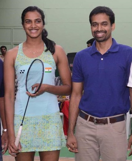 PV Sindhu with her coach pullela gopichand