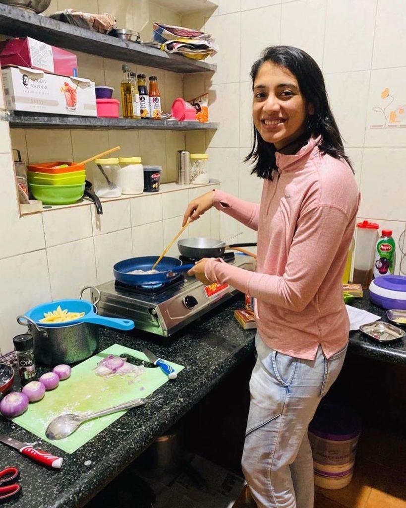 Smriti Mandhana cooking food