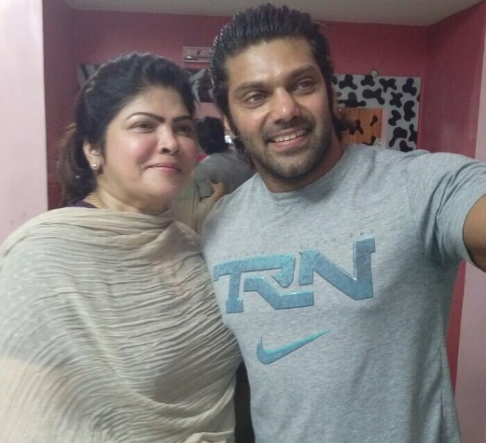 Arya with his mother