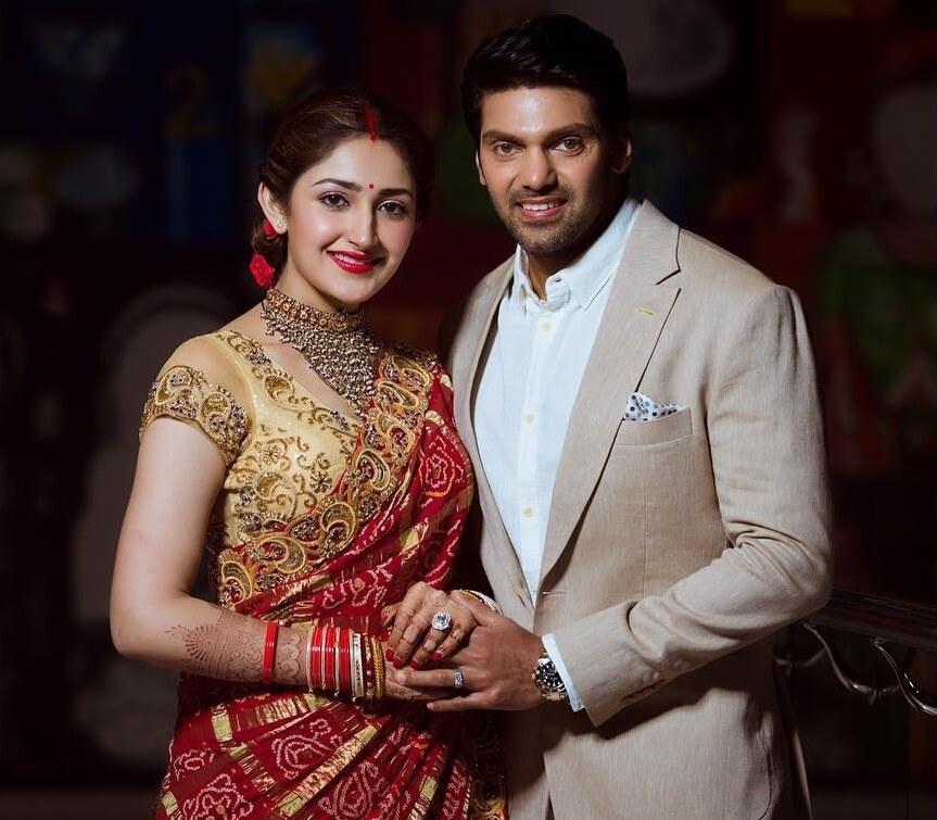 Arya with his wife Sayyeshaa