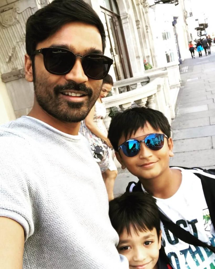 Dhanush with his childrens