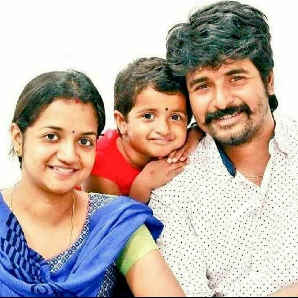 Sivakarthikeyan and his wife Aarthi and daugher