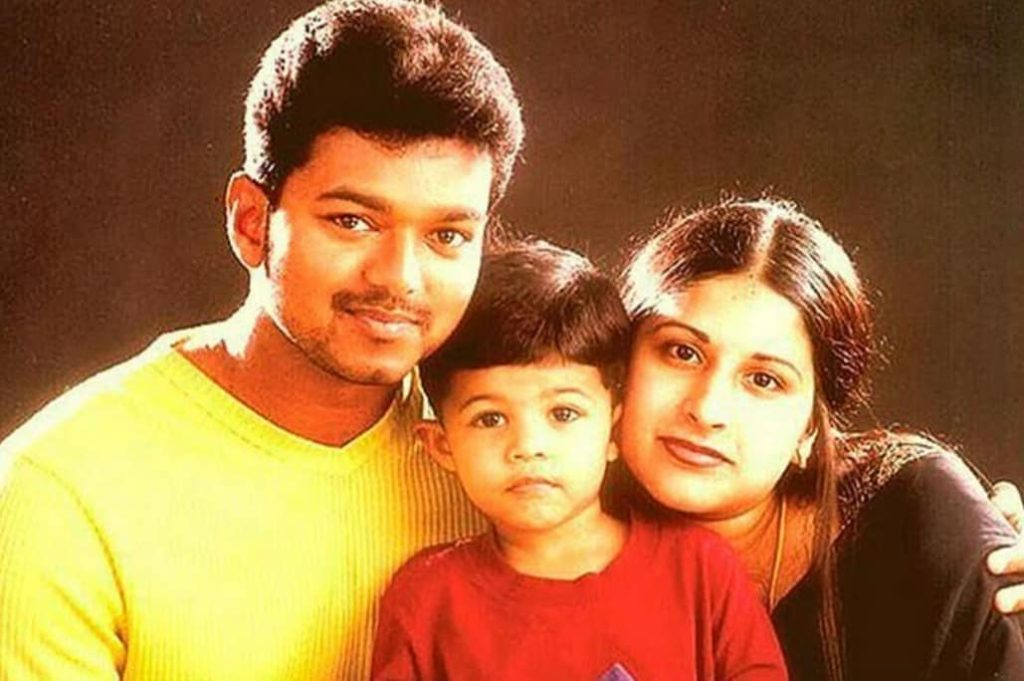 Vijay with his wife and son
