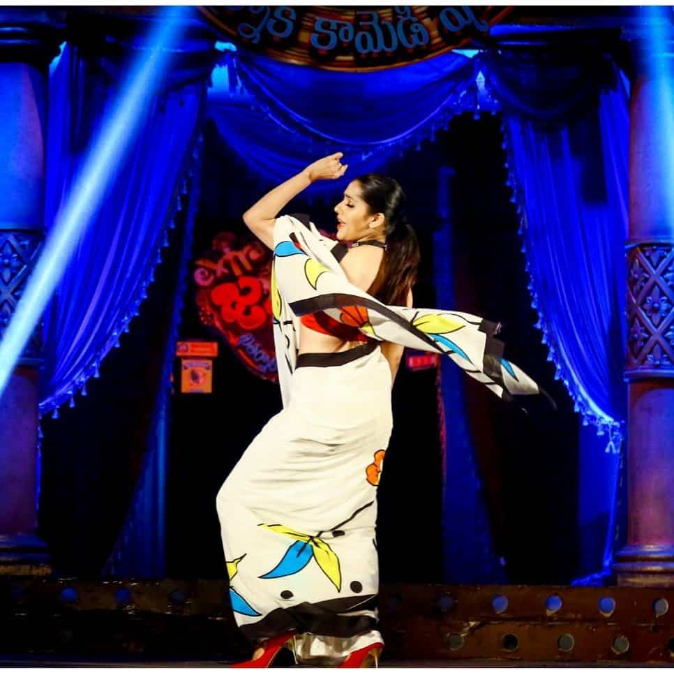 Rashmi Gautam in Extra Jabardasth