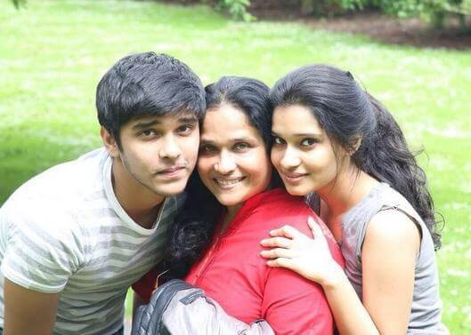 Vikram wife and Children's
