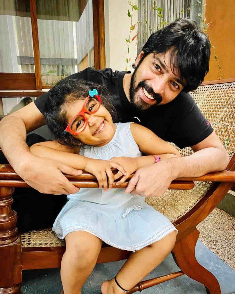 Allari Naresh with his Daughter Ayana Evika Edara