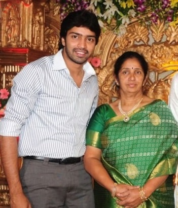 Allari Naresh with his Mother