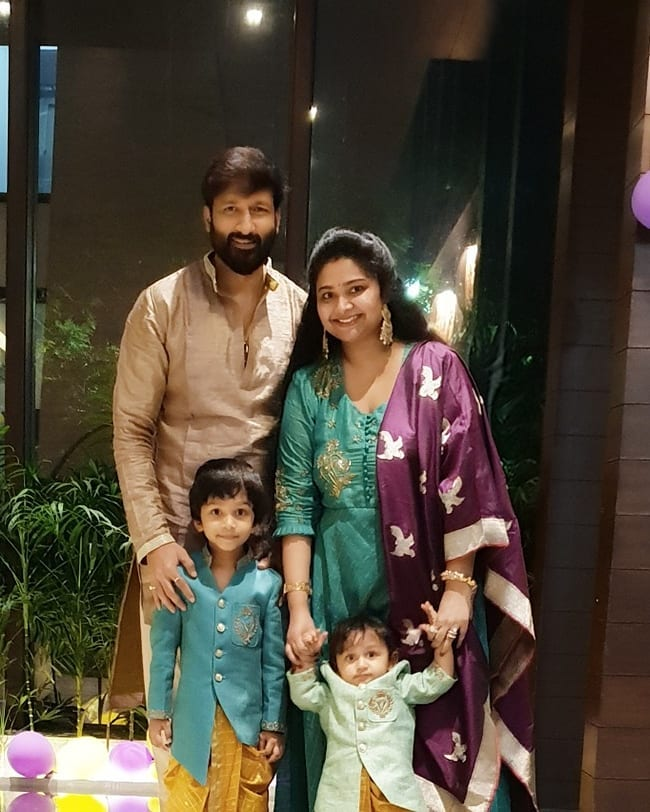 Gopichand with his Wife and Kids
