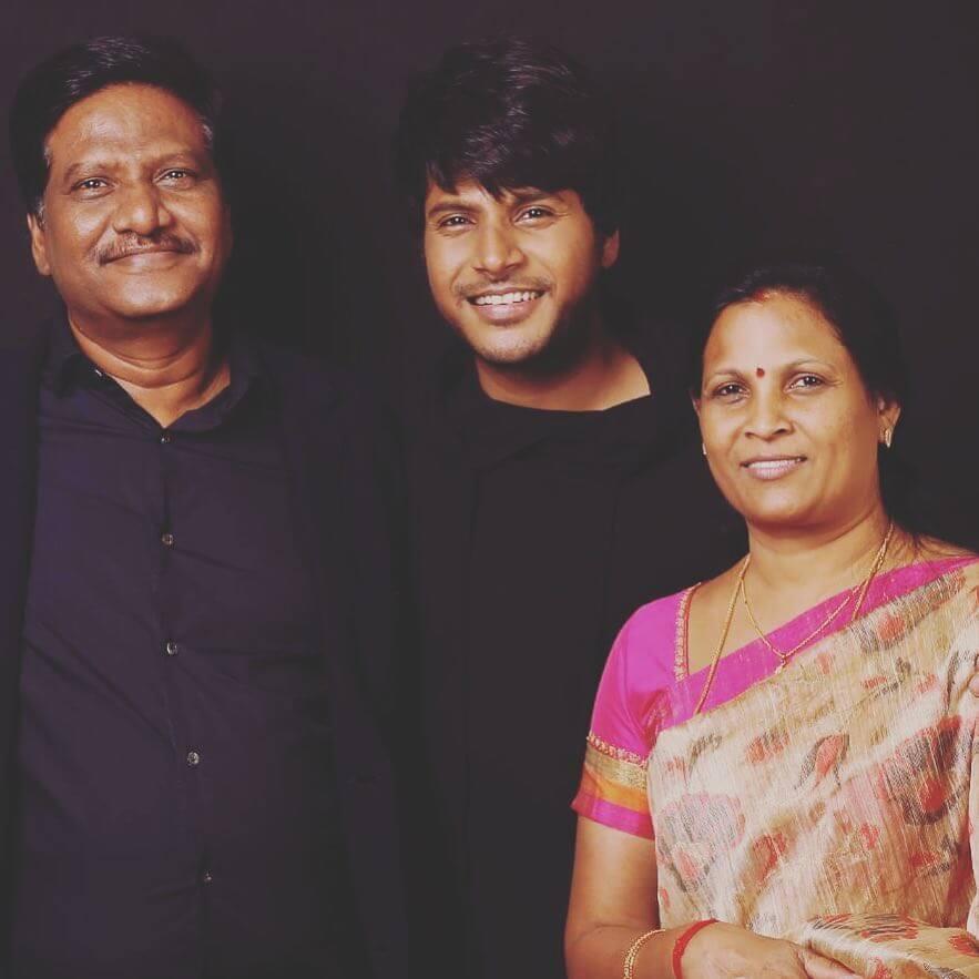 Sundeep Kishan with his Parents