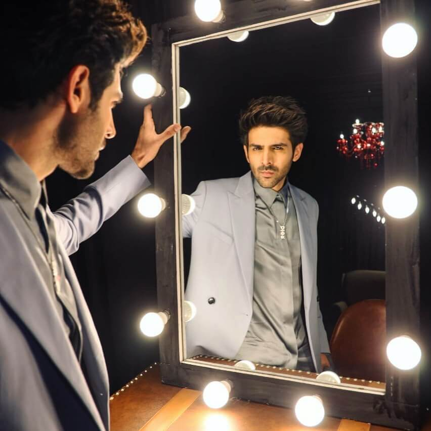 Kartik Aaryan Wiki, Height, Age, Girlfriend, Wife, Family, Biography & More 1