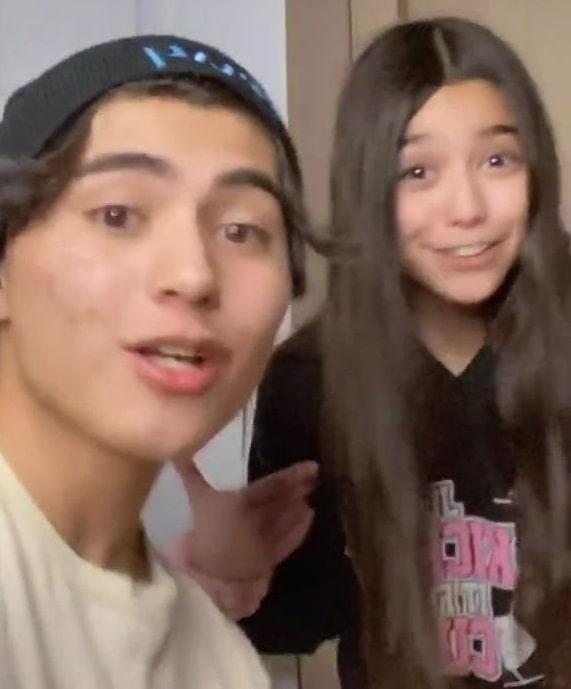 Kairi Cosentino with sister Maiya